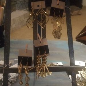 Jewelry - Lot #1: Set of 4 Gold Colored: Fashion Earrings